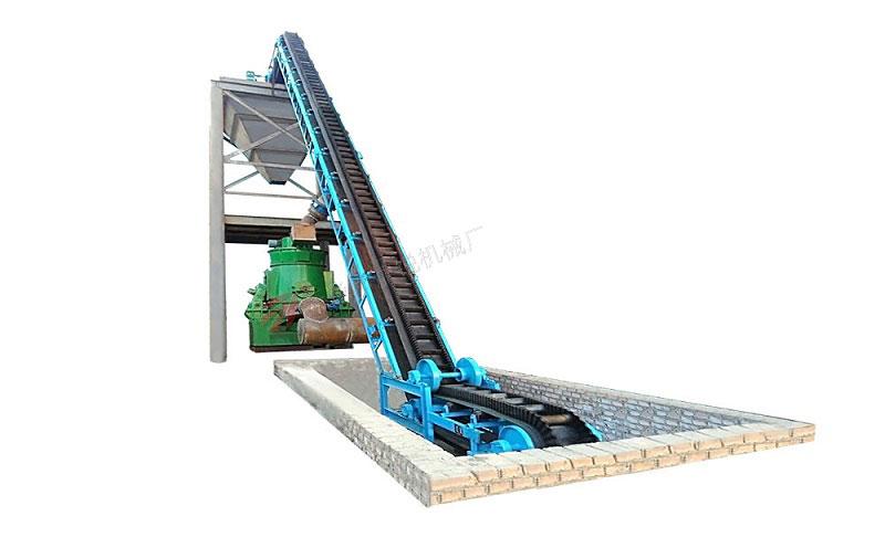 敞开式大倾角皮带输送机,在搅拌站输送砂石、沙子的设备