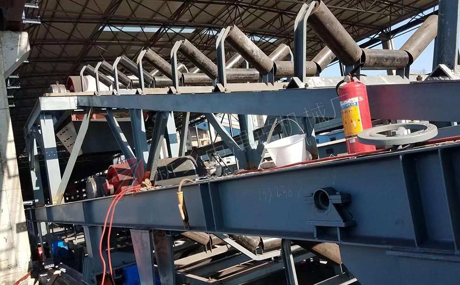 广东客户的钢厂皮带输送机现场安装