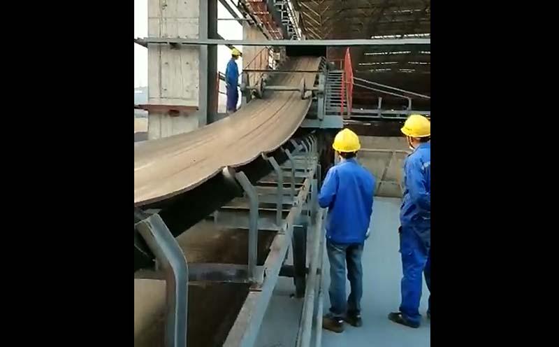 钢厂输煤卸料小车带料试车视频