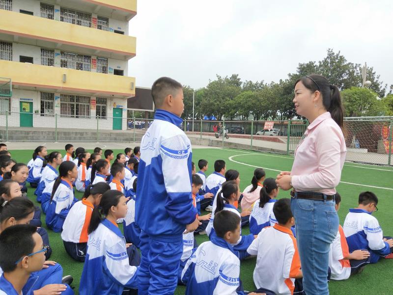 2018年3-9月为郴州四中、四完小、12完小、27完小、29完小五所学校六年级、初一新生近2000人做《心理健康知识》、《新生适应能力--规则》团辅。28.jpg