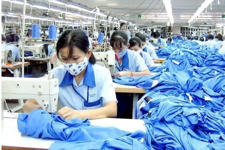 """中国是一个 """"服装大国"""",但更应是一个"""