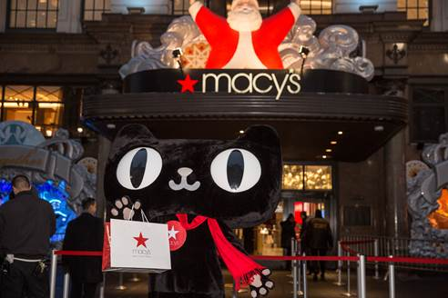 macintosh hd:Users:guoli:Desktop:去年黑五期间,梅西百货中美联动同时举办活动,并通过天猫国际直播给中国消费者观看美国盛况3.jpg