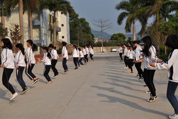 大课间活动--跳绳3.jpg