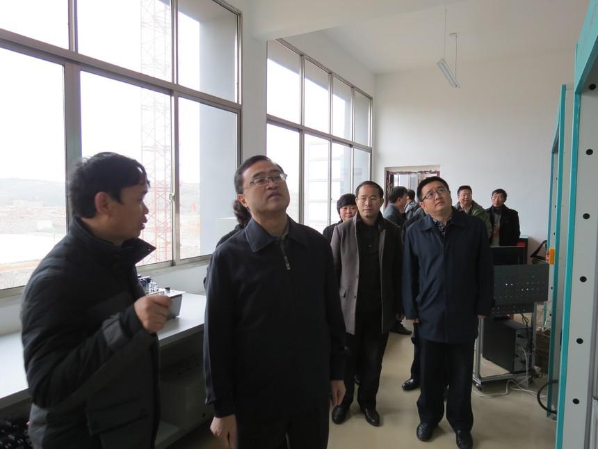 陈明鸣副省长莅临学校指导工作.JPG
