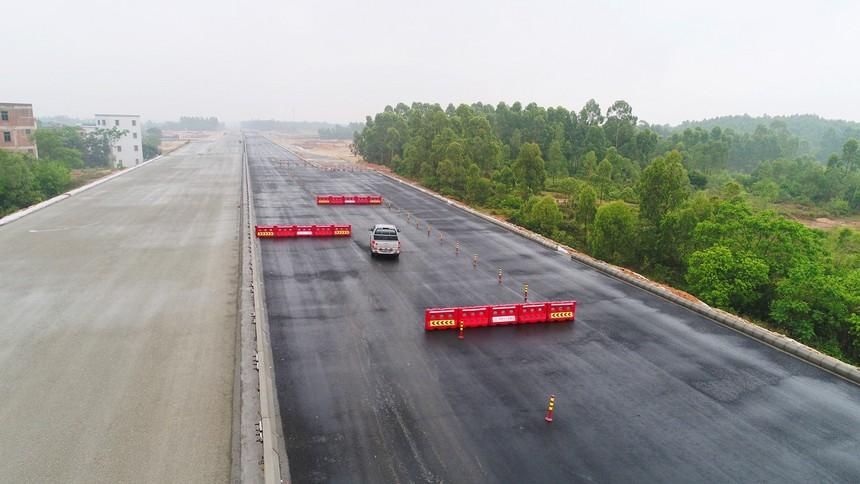 图4、路面项目交通安全管制.JPG