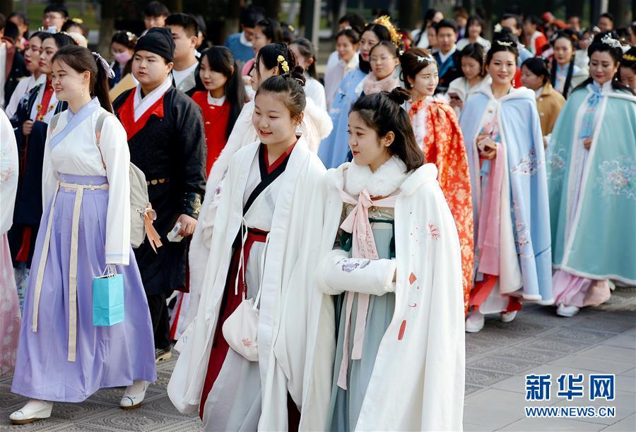 (文化)(1)西安:汉服巡游展示传统文化