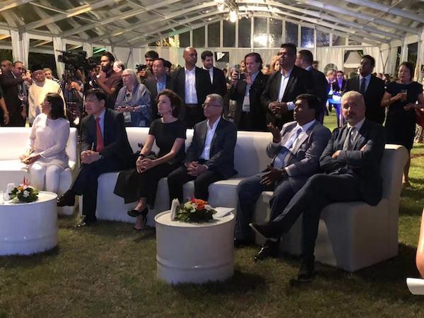 5-联合国教科文组织官员、各国参会代表及毛里求斯官员等嘉宾共同出席晚宴.jpg