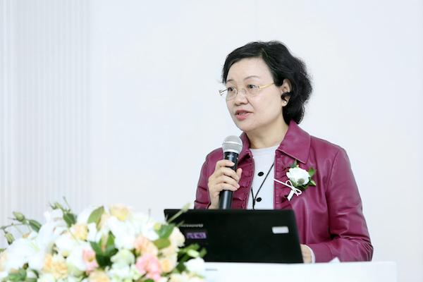 3 北京民生现代美术馆馆长周旭君发布会致辞.JPG