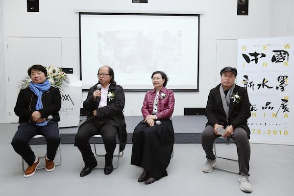 7 参会嘉宾在发布会提问环节.JPG