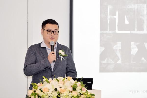 6 北京民生现代美术馆学术部负责人陈昱主持新闻发布会.JPG