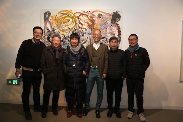 嘉宾在展览现场,左起:崔东晖、谭平、刘商英、邬建安、周宇舫、白晓刚.JPG