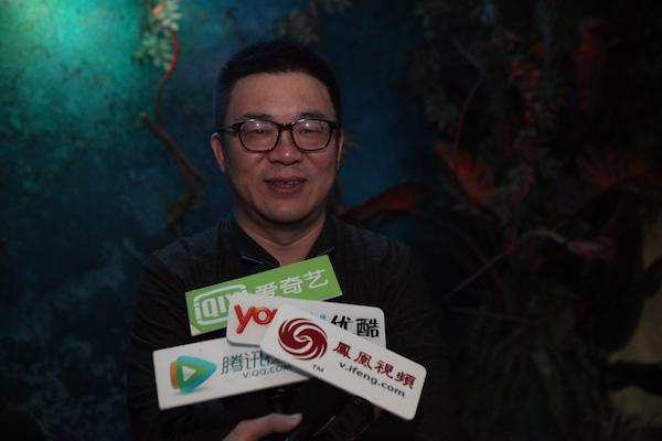 展览出品人、幻艺术中心创始人赵旭接受媒体采访2.JPG