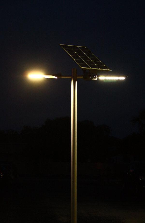 實驗室  上圖:照明科學集團公司正致力于改善街燈等照明設施。
