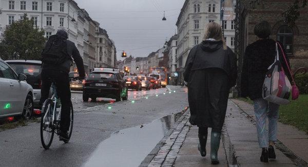 哥本哈根的一條自行車道,能夠幫助騎車的通勤者避免遭遇到紅燈。