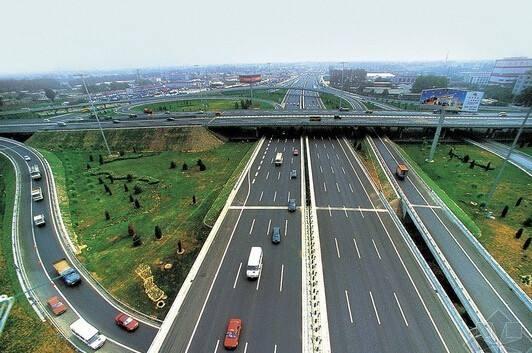 四川:加大降税力度,高速公路分时段收费