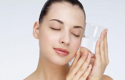 肽能分享肌肤衰老时出现的表现