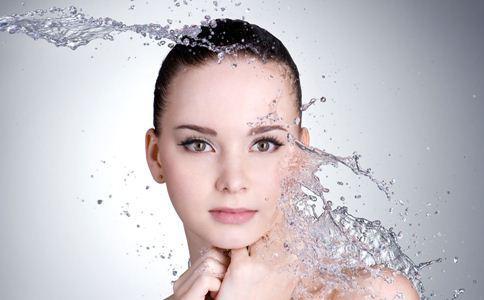 秋冬季节皮肤虽然不清楚唐龙为什么跟自己说被毁,增加肌肤修护力