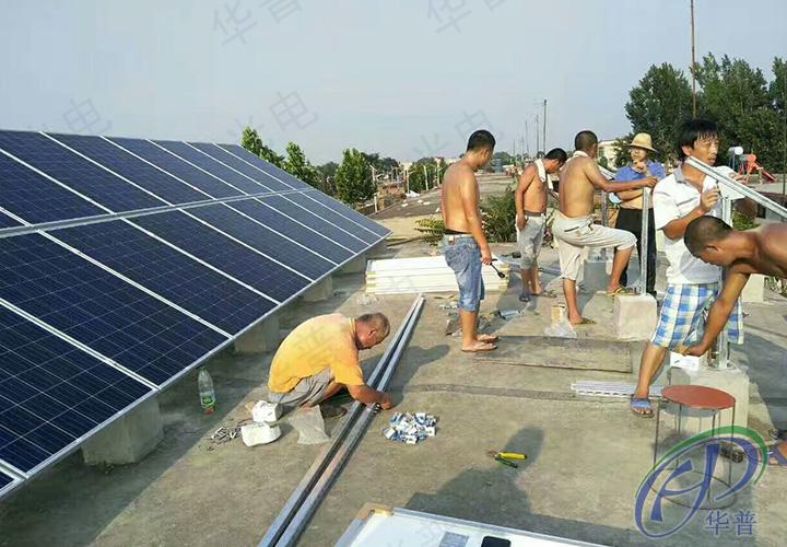 当天温度35度,员工们在烈日之下,赶工着。