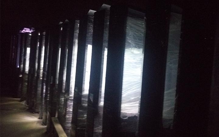 劲爆!五年以后的风吹露宿的广告垃圾箱太阳能系统依旧稳定工作!