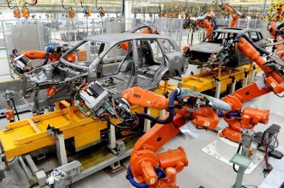 新能源汽车焊接.jpg