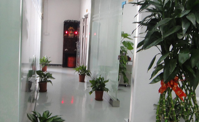 深圳水转印厂家,亿彩水转印办公区
