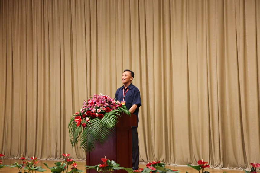 师机关代表杜代表杜方淼讲话2.jpg