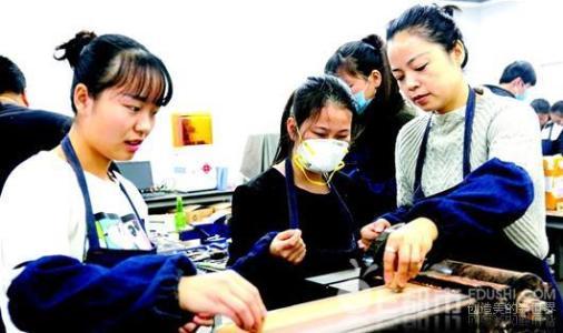 希望职校学3D打印技术学生