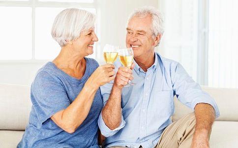 老人过性生活的好处 老人如何长寿 老人性生活有助长寿吗