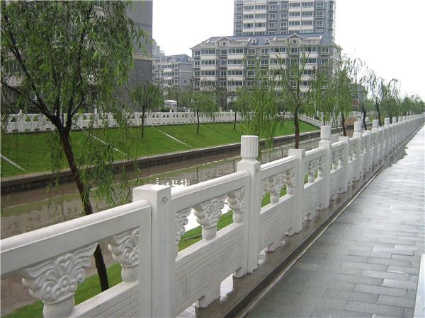 石栏杆的选材-固强青石板材