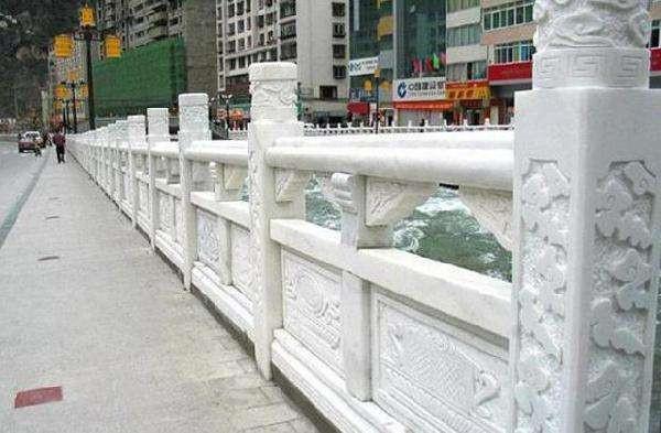 选择石材护栏的注意事项-固强青石板