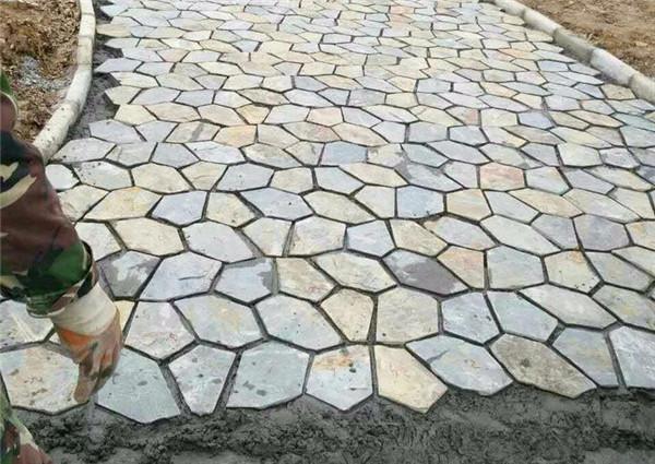 冰裂纹青石板铺砖方法-固强青石板
