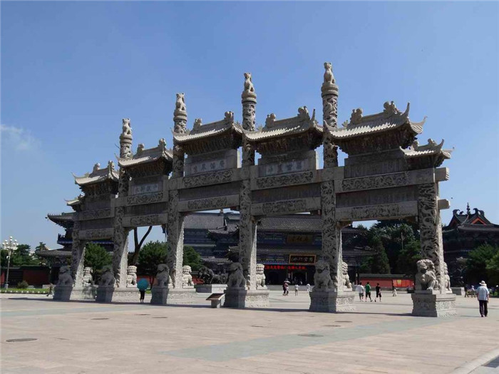 世界最大的青石牌坊之广佑寺青石牌坊介绍-固强青石板