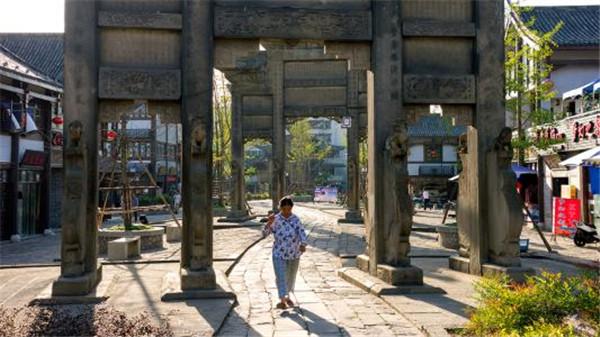 關于隆昌石牌坊的故事