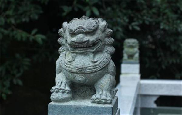 石雕獅子象征著什么