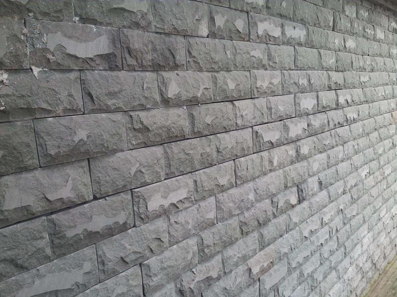 导致青石板材断裂的原因有哪些呢