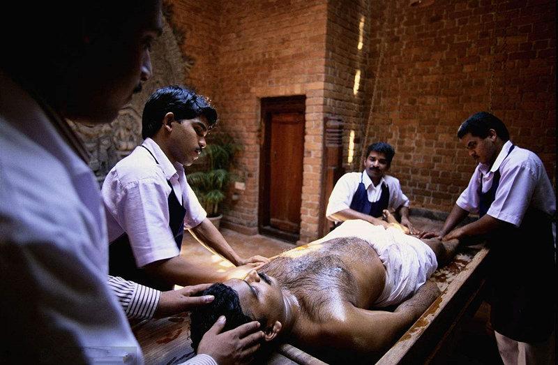 金尊皇帝油是印度進口的嗎,阿育吠陀金尊皇帝油,哪個皇帝油是阿育吠陀的.jpg