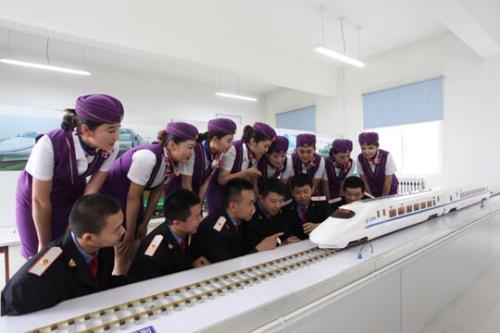 四川高铁学校欢迎各地学子来校参观考察