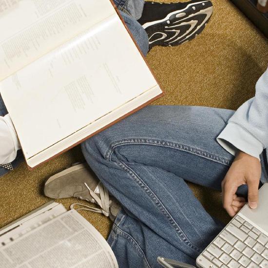 今年中考,本市有两类考生录取时可加20分: