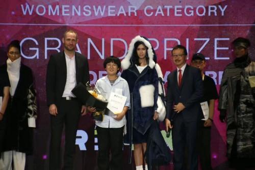 东华大学服装与艺术设计学院毕业<bi ye>生再获国 外大奖