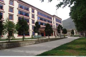 四川省藏文学校環境