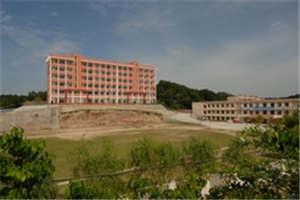 三台县乐安职业高级中学图片