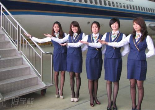 成都机电工程学校航空专业照片