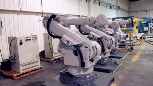 成都机电工程学校机器人制造专业照片