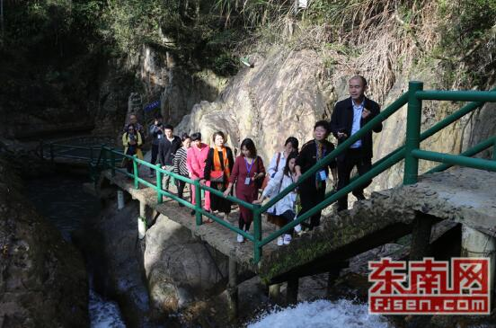 第七届全国重点网络媒体福建行走进黄楮林温泉