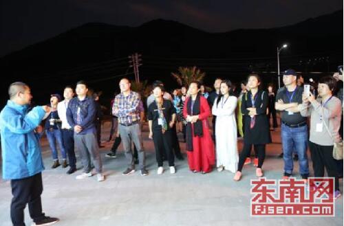 第七届全国重点网络媒体福建行走进瓷天下旅游区