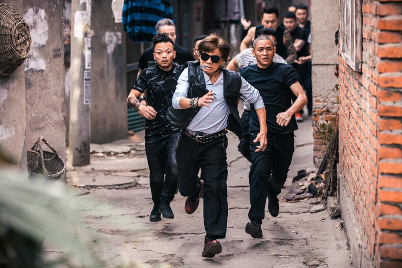 电影《站住!小偷》上映在即  郑云尤勇梁小龙吴启华开启奔跑模式