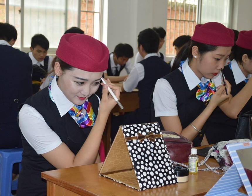 四川高铁职业学校让就业远离文凭要求制