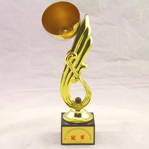 2002年第二十三届金发奖美发大赛发型组冠军.jpg