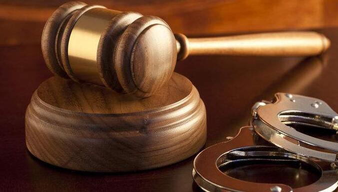 少女遭开水灌嘴其父涉嫌故意伤害罪 检察机关提起公诉的条件