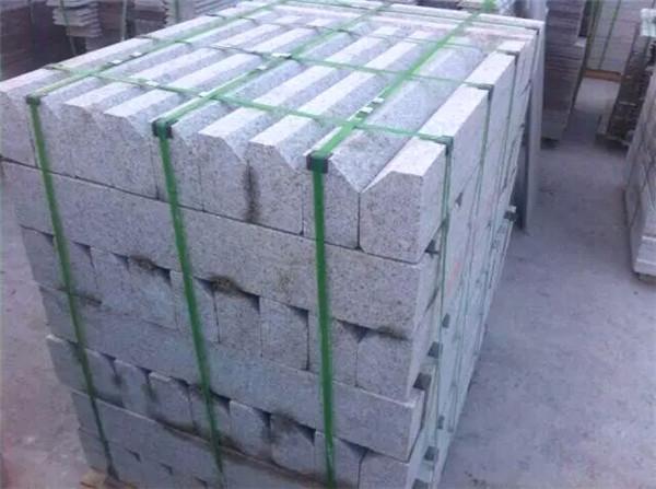 锈石异形石墙面铺装的方法要点-恒业黄锈石